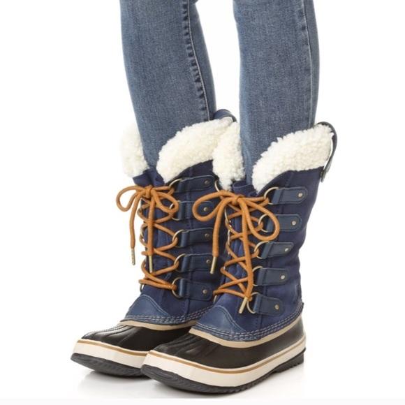 dbc6bbd063e Sorel Joan of arctic navy shearling boots. M 5bf5cb8934a4efd239a086dd